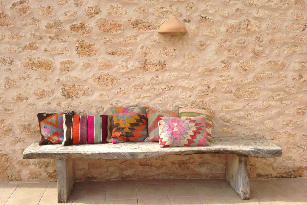 The continuous beauty of Kilims