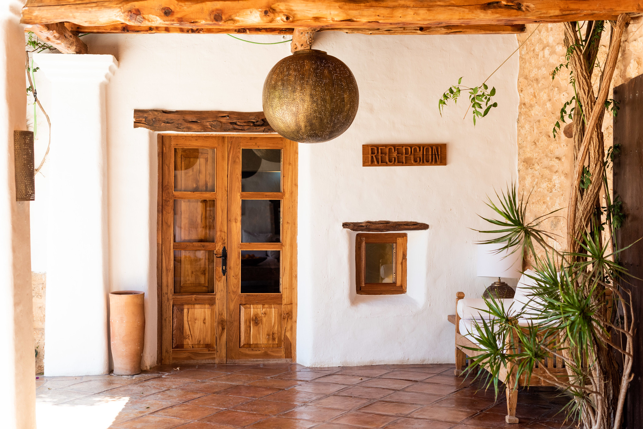 https://www.white-ibiza.com/wp-content/uploads/2019/11/ibiza-hotels-agoturismos-agroturismo-atzaro-05.jpg