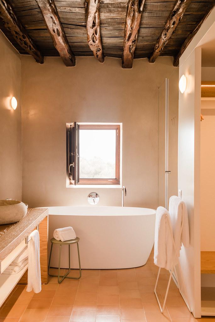 https://www.white-ibiza.com/wp-content/uploads/2020/01/ibiza-hotels-safragell-2019-05.jpg
