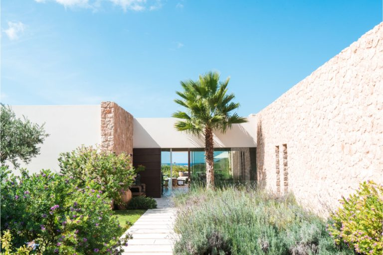 white-ibiza-villas-villa-amber-outdoors