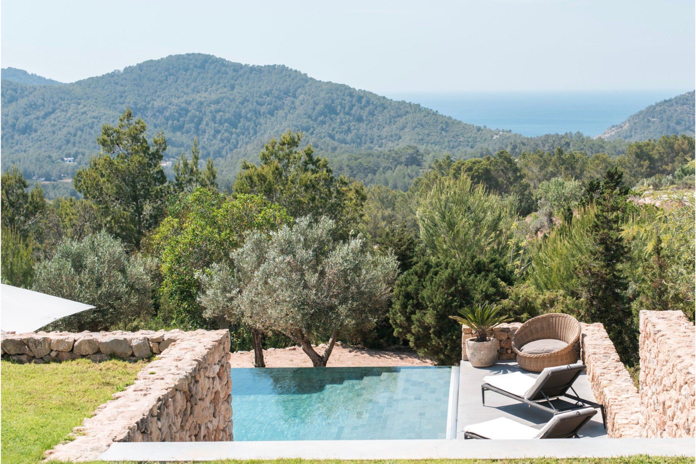 white-ibiza-villas-can-zama-outdoors