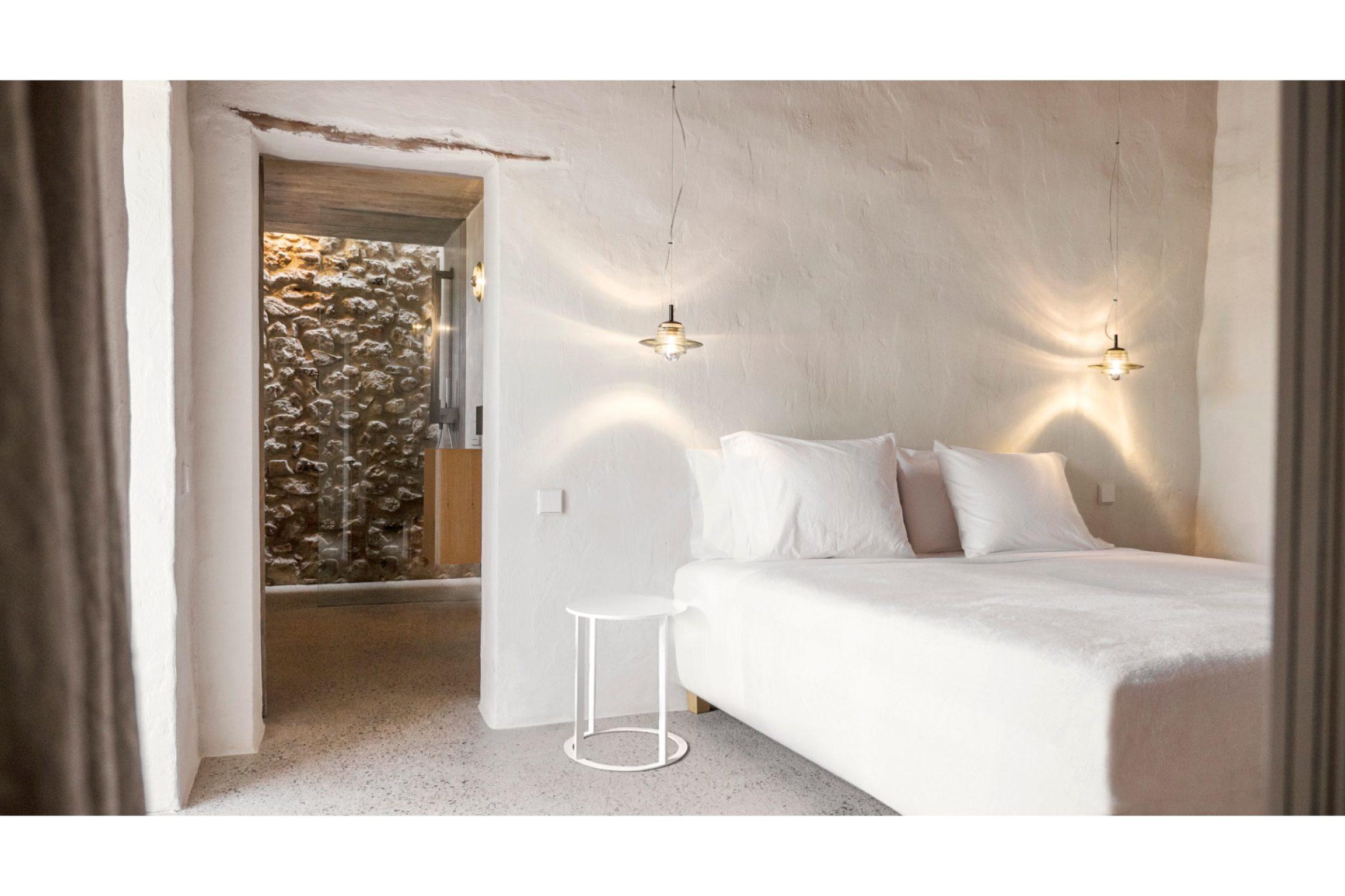 white-ibiza-villas-can-benito-bedroom