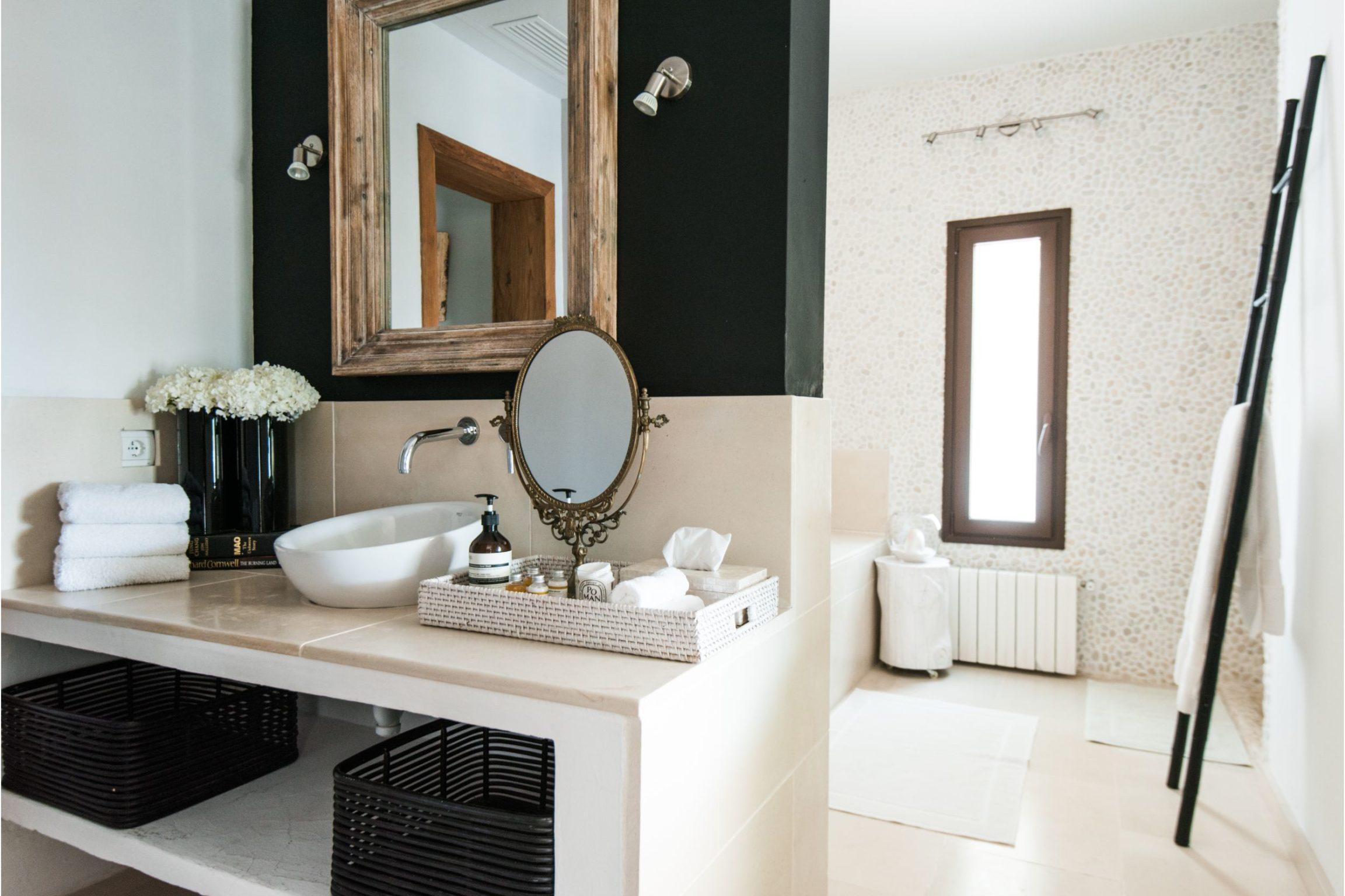 white-ibiza-villas-villa-novia-bathroom