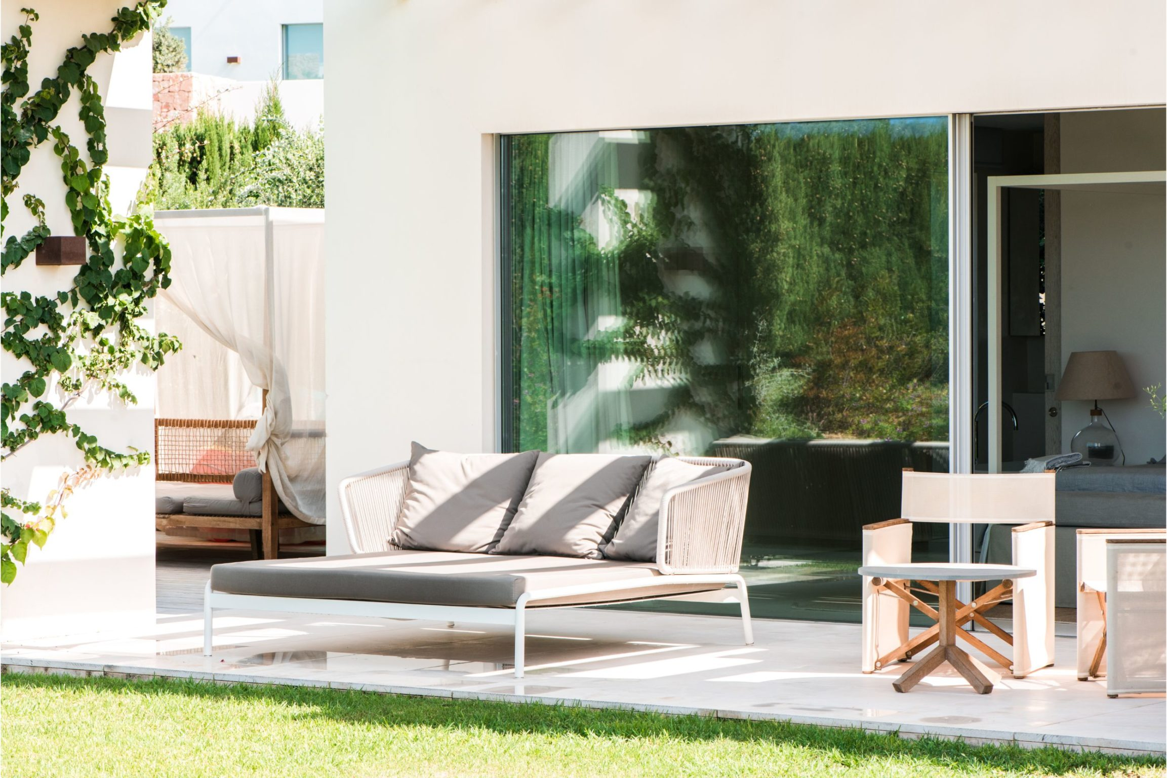 white-ibiza-villas-villa-amber-outdoors