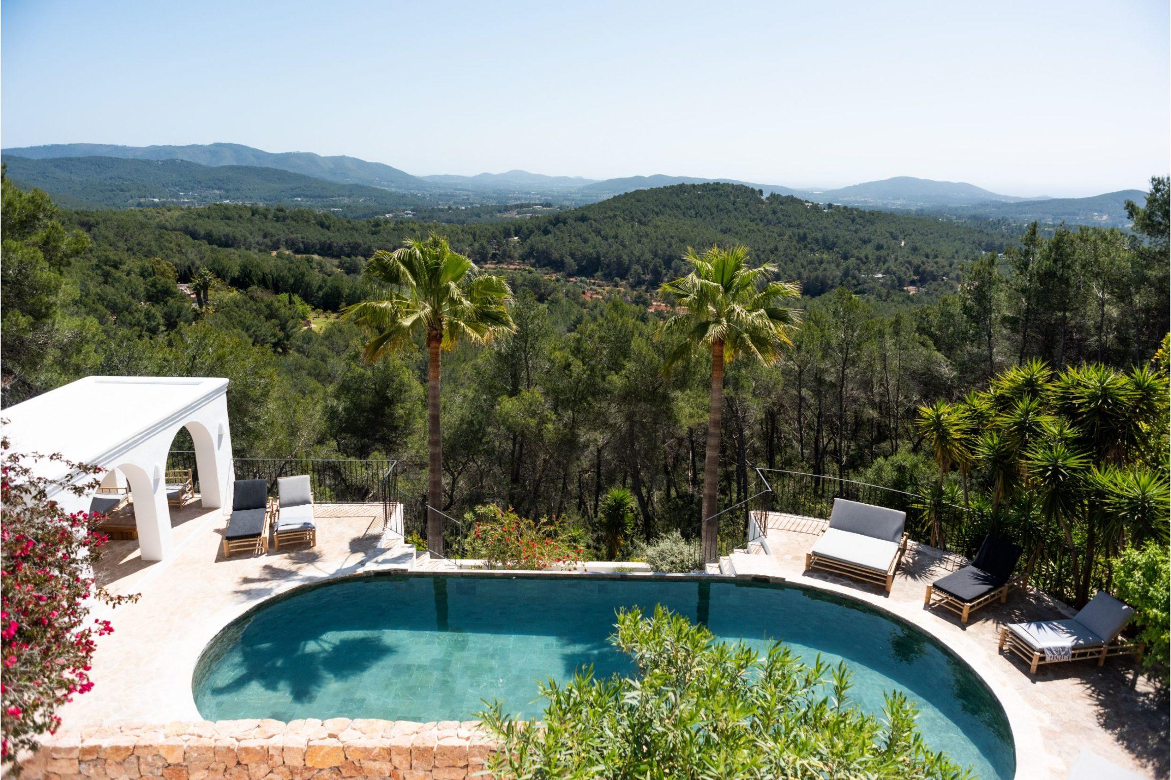 white-ibiza-villas-can-verde-outdoors