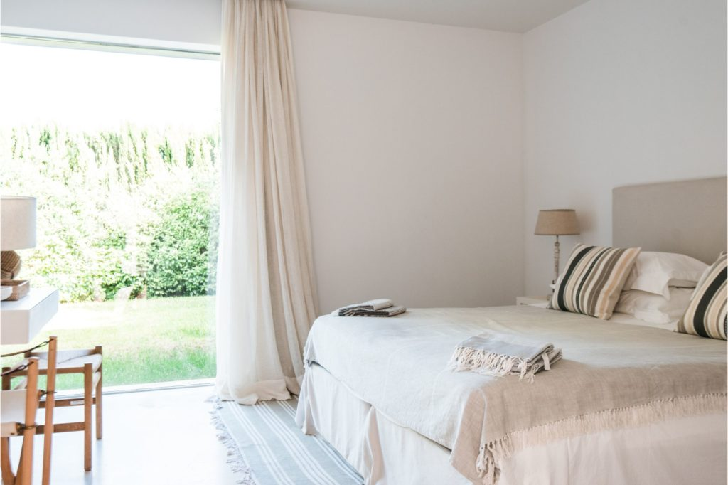 white-ibiza-villas-villa-amber-bedroom