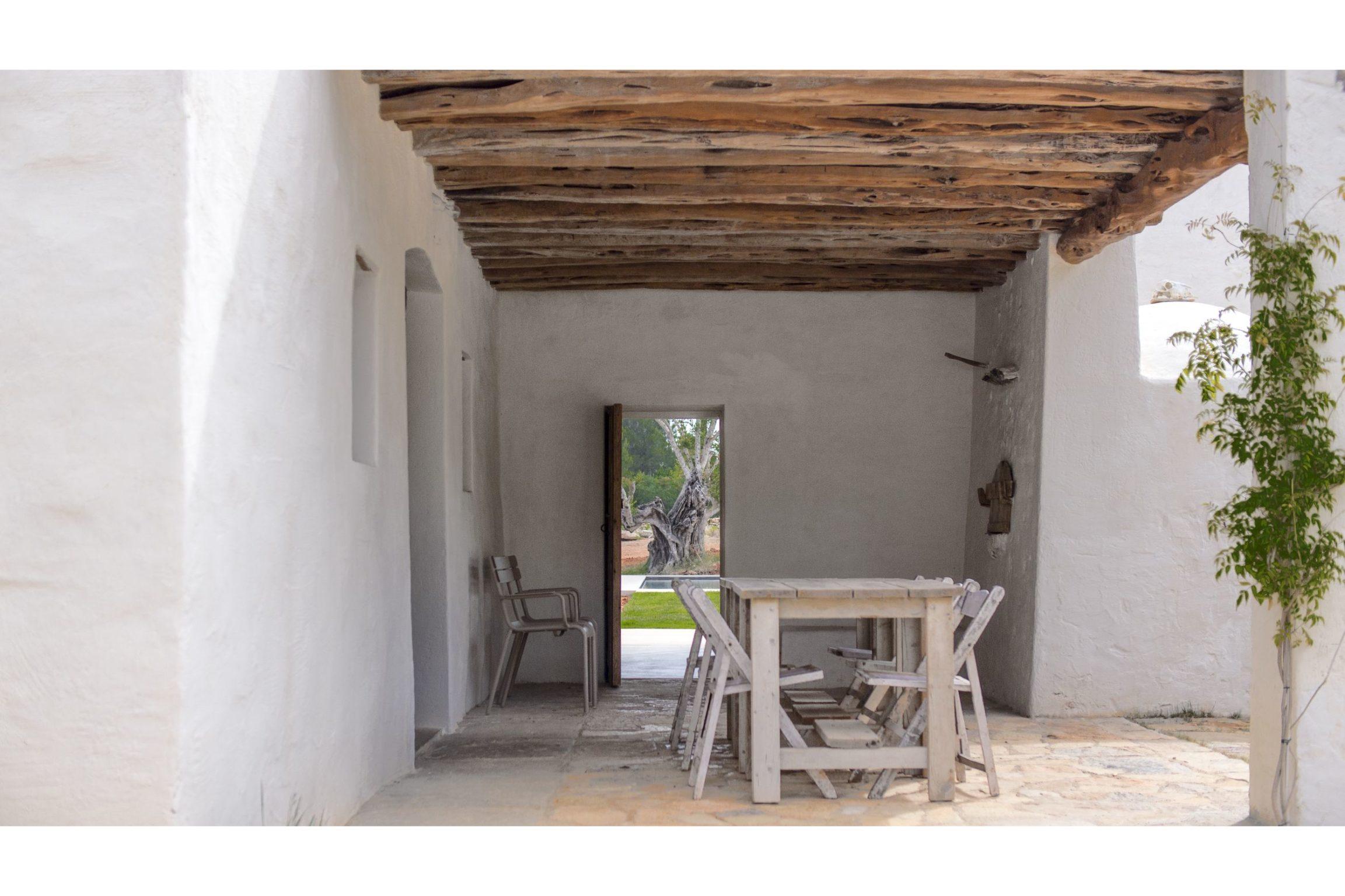 white-ibiza-villas-can-benito-outdoors
