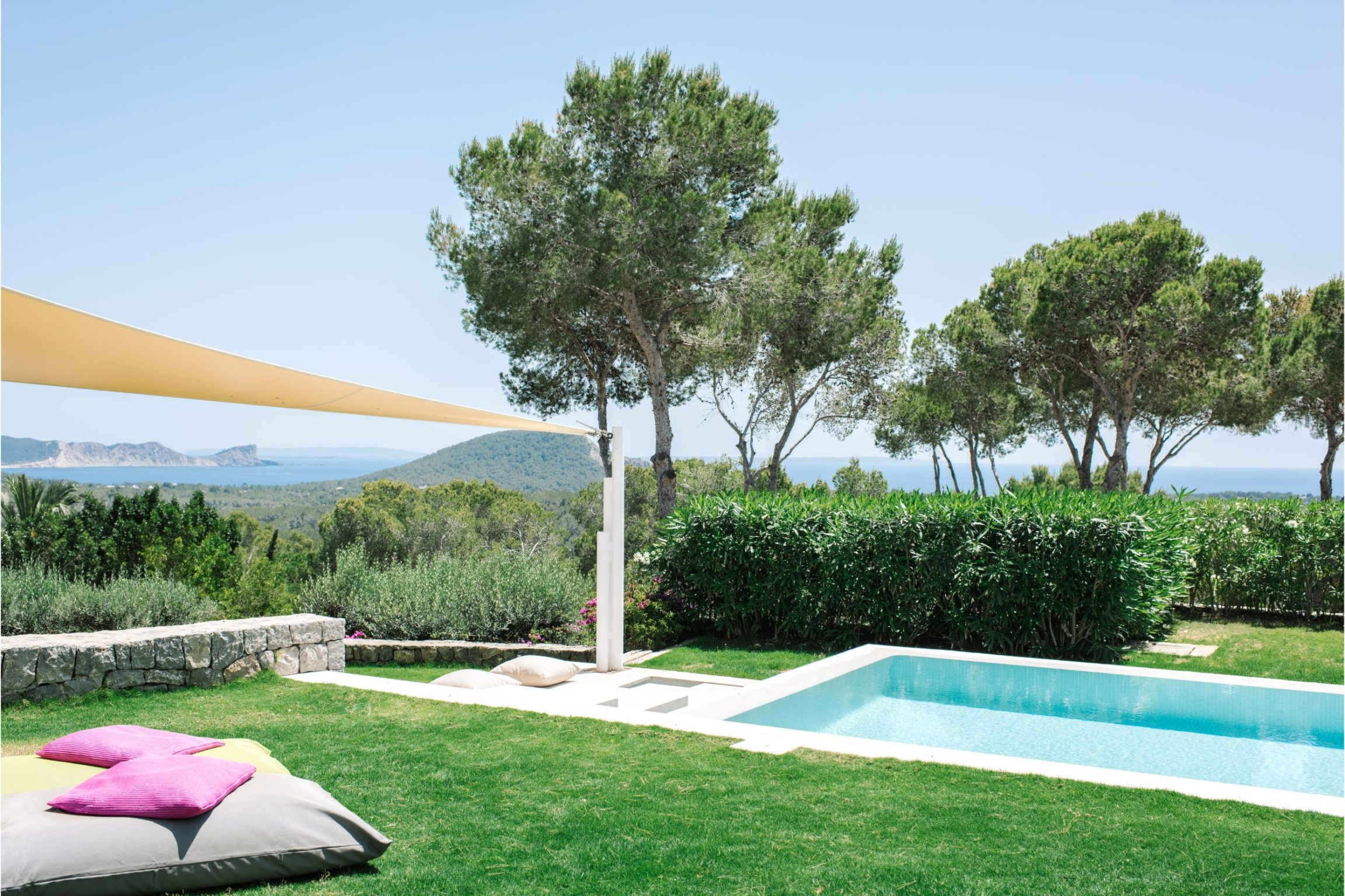 white-ibiza-villas-can-jondal-outdoors