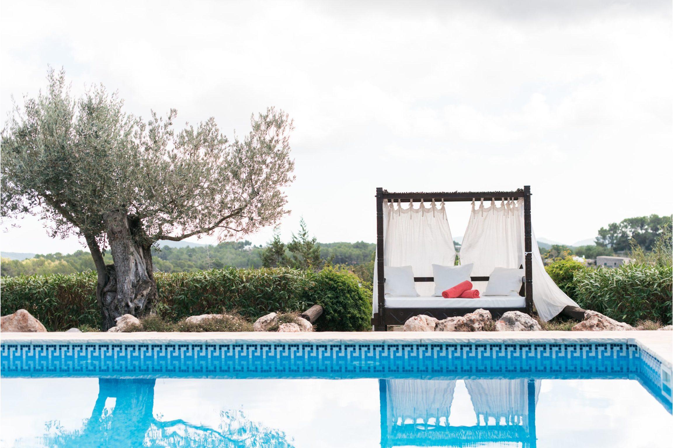 https://www.white-ibiza.com/wp-content/uploads/2020/02/Copy-of-white-ibiza-villas-can-blay-outdoors-pool-2305x1536.jpg