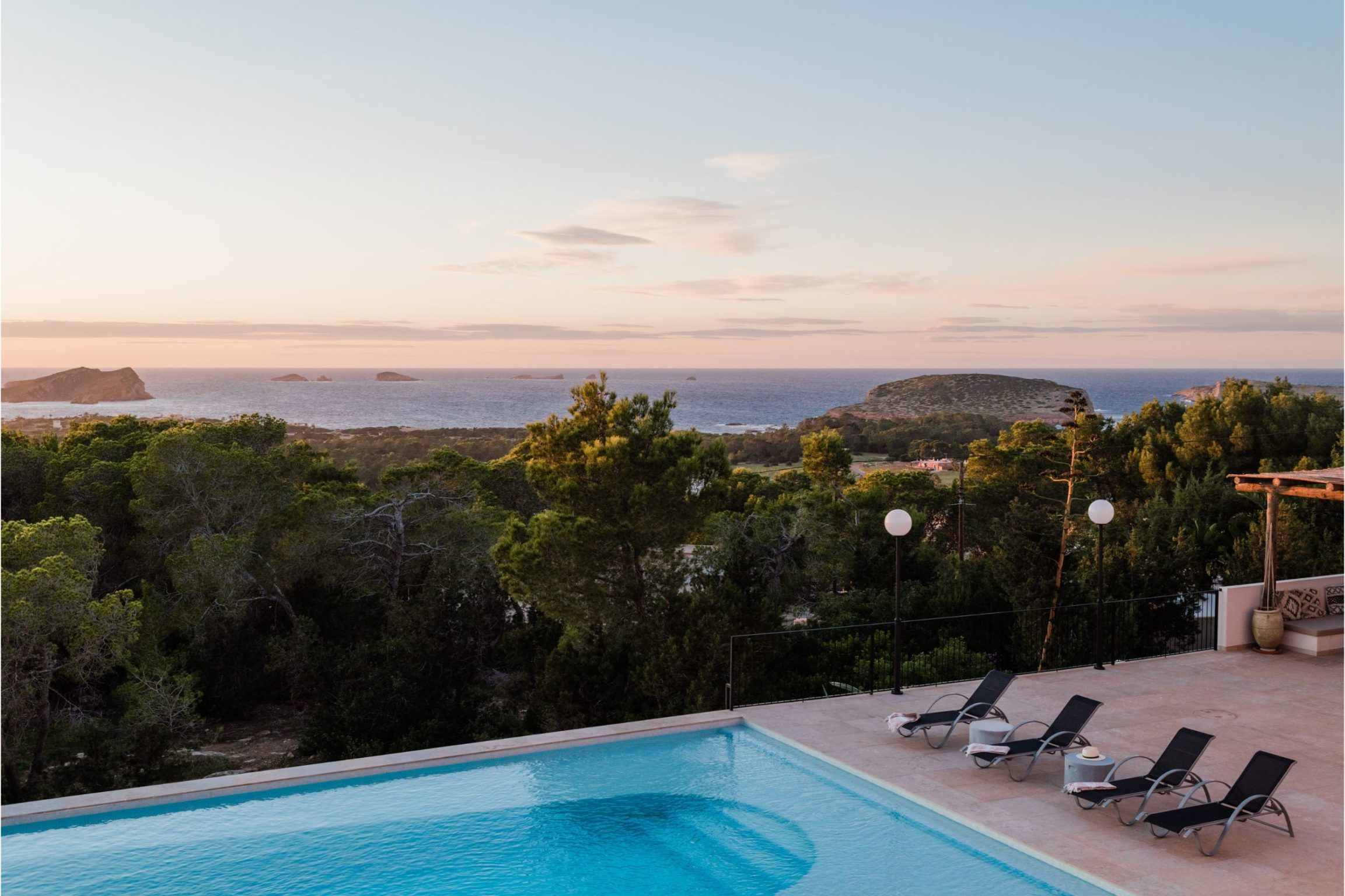 https://www.white-ibiza.com/wp-content/uploads/2020/02/Copy-of-white-ibiza-villas-sa-serra-outdoors-2305x1536.jpg