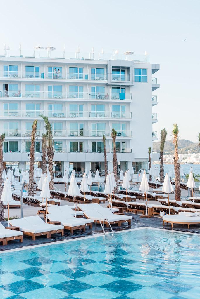 https://www.white-ibiza.com/wp-content/uploads/2020/02/amare-beach-hotel-ibiza-2019-14.jpg