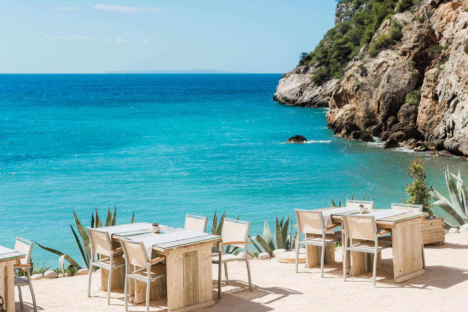 https://www.white-ibiza.com/wp-content/uploads/2020/02/ibiza-beach-restaurant-amante-ibiza-2019-01-1.jpg