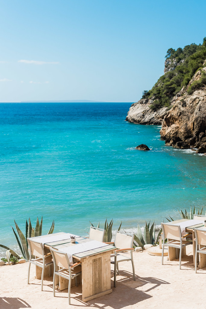 https://www.white-ibiza.com/wp-content/uploads/2020/02/ibiza-beach-restaurant-amante-ibiza-2019-02-1.jpg
