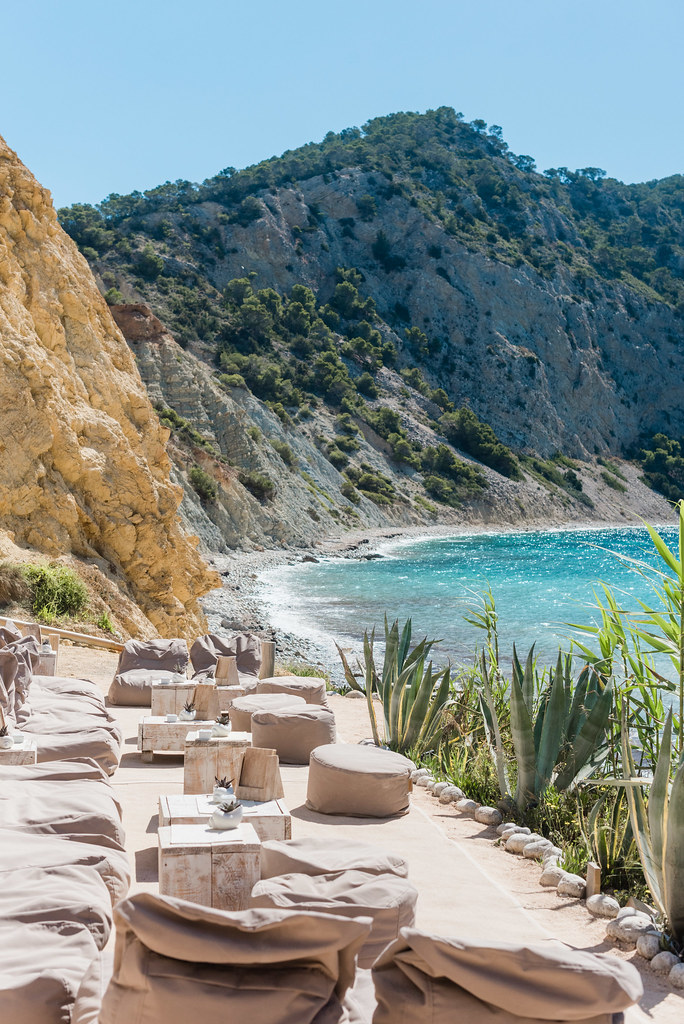 https://www.white-ibiza.com/wp-content/uploads/2020/02/ibiza-beach-restaurant-amante-ibiza-2019-03-1.jpg