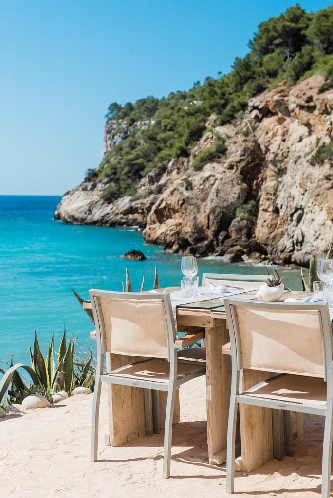 https://www.white-ibiza.com/wp-content/uploads/2020/02/ibiza-beach-restaurant-amante-ibiza-2019-04-1.jpg