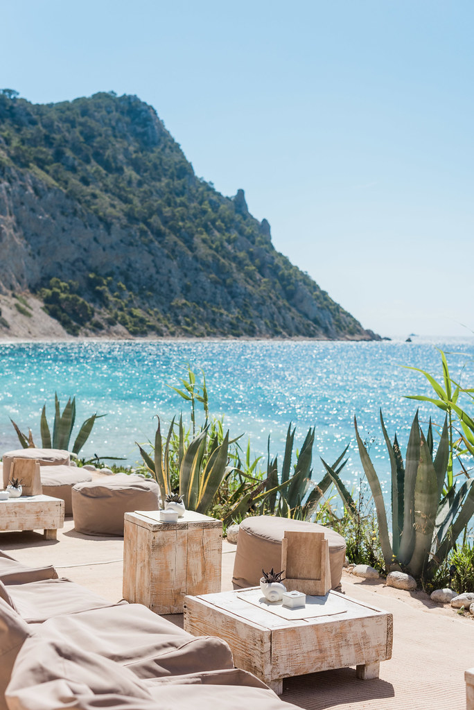 https://www.white-ibiza.com/wp-content/uploads/2020/02/ibiza-beach-restaurant-amante-ibiza-2019-05-1.jpg