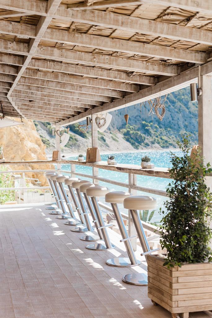 https://www.white-ibiza.com/wp-content/uploads/2020/02/ibiza-beach-restaurant-amante-ibiza-2019-11-1.jpg