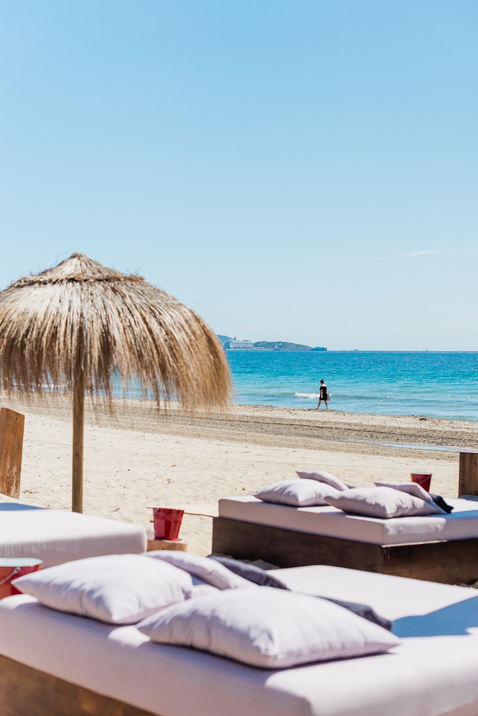 https://www.white-ibiza.com/wp-content/uploads/2020/02/ibiza-beach-restaurant-beachouse-ibiza-2019-04.jpg
