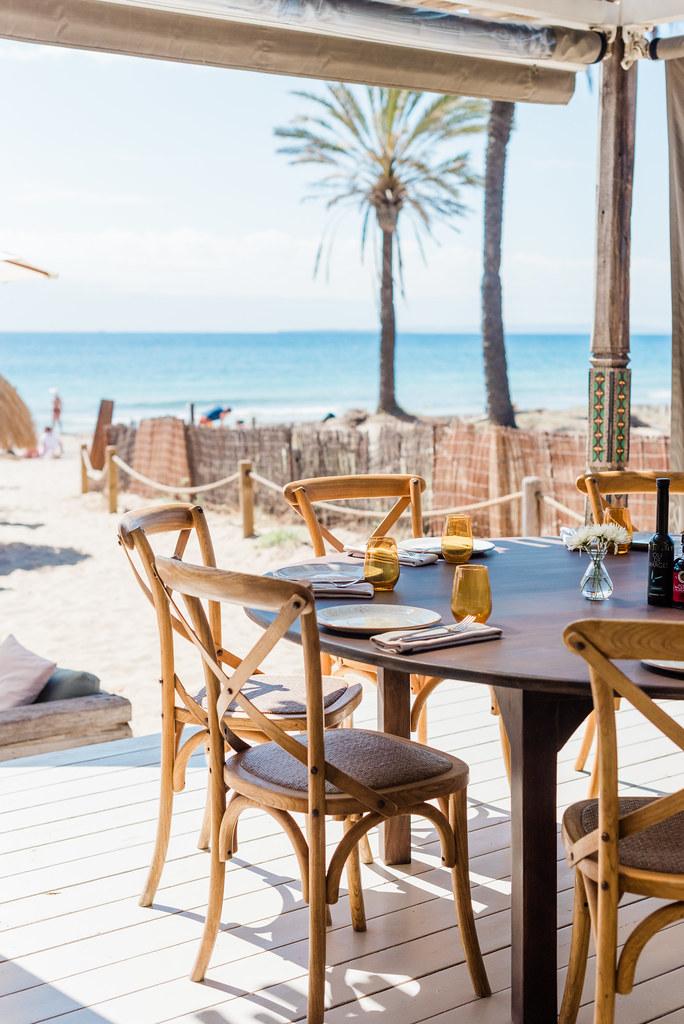 https://www.white-ibiza.com/wp-content/uploads/2020/02/ibiza-beach-restaurant-beachouse-ibiza-2019-08.jpg