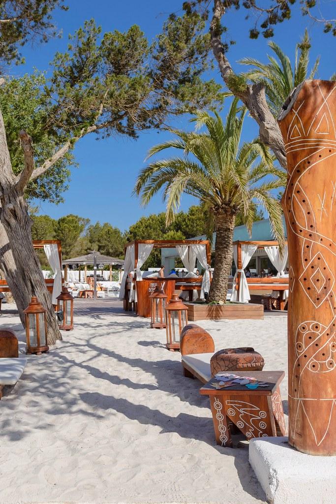 https://www.white-ibiza.com/wp-content/uploads/2020/02/ibiza-beach-restaurant-nikki-beach-ibiza-2019-06.jpg