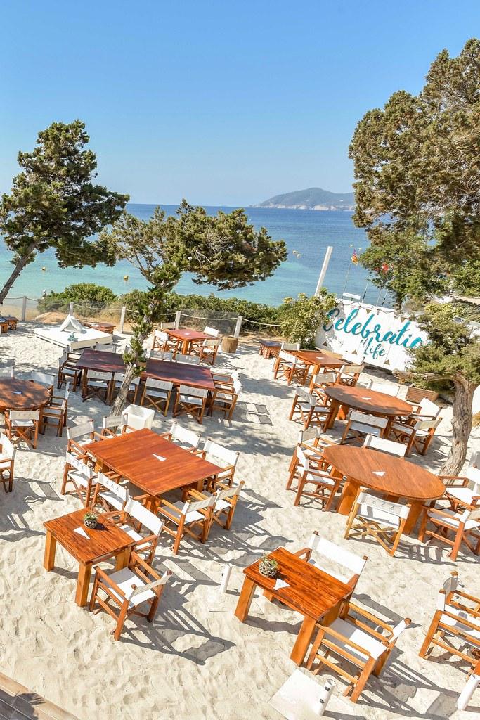 https://www.white-ibiza.com/wp-content/uploads/2020/02/ibiza-beach-restaurant-nikki-beach-ibiza-2019-10.jpg