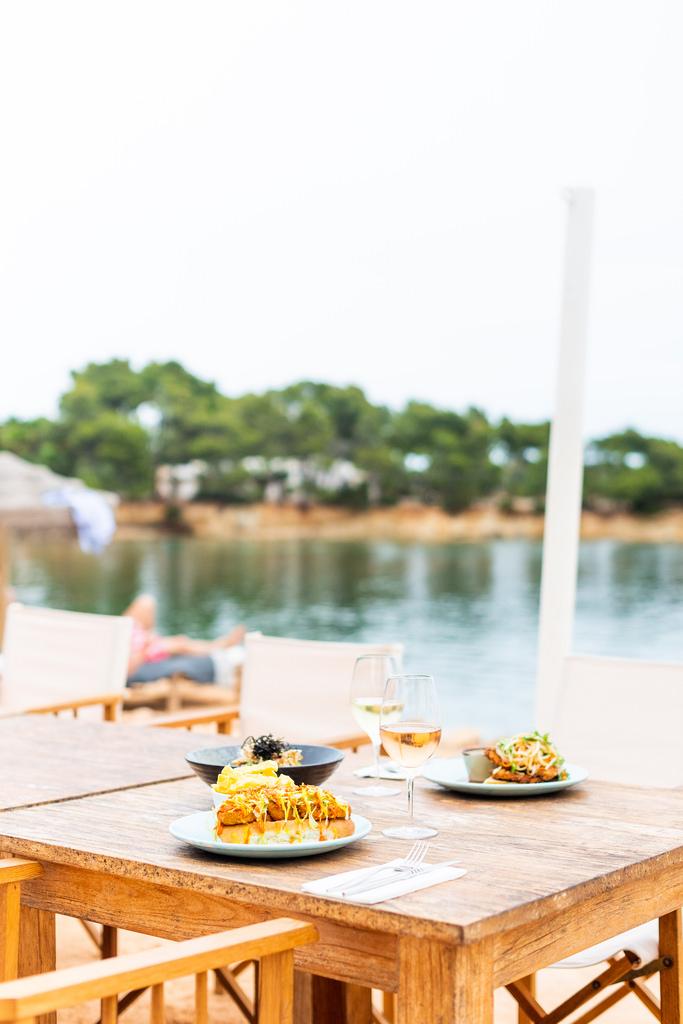https://www.white-ibiza.com/wp-content/uploads/2020/02/ibiza-restaurants-babylon-beach-2018-05.jpg