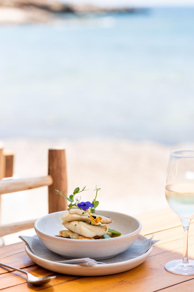 https://www.white-ibiza.com/wp-content/uploads/2020/02/ibiza-restaurants-cala-bonita-2018-06.jpg