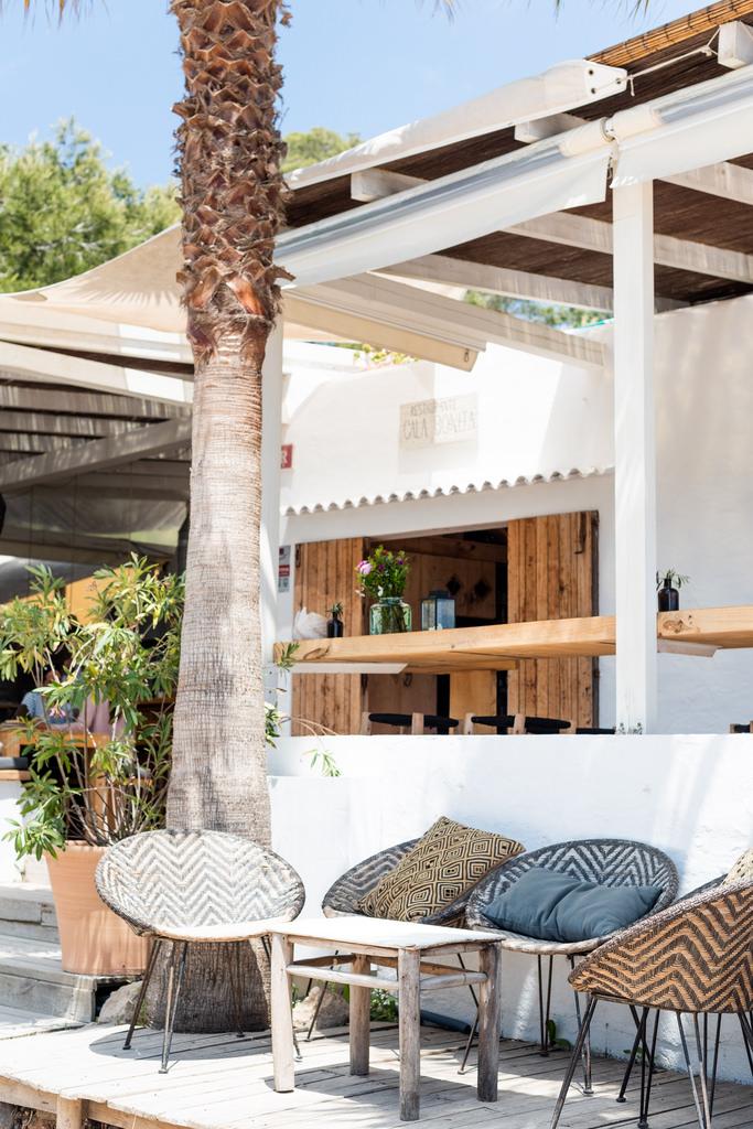 https://www.white-ibiza.com/wp-content/uploads/2020/02/ibiza-restaurants-cala-bonita-2018-07.jpg
