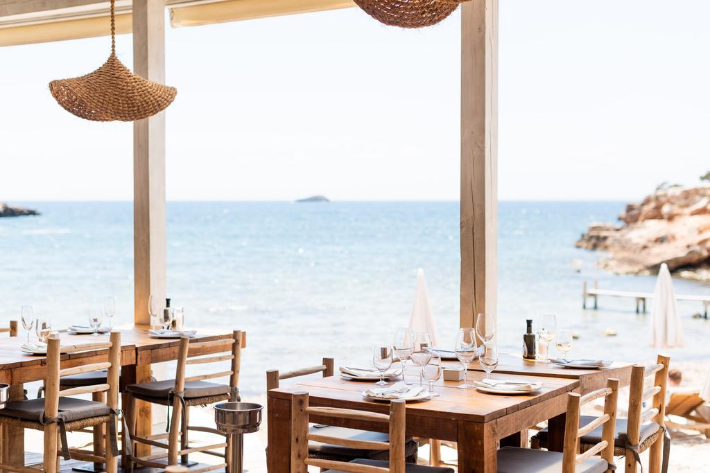 https://www.white-ibiza.com/wp-content/uploads/2020/02/ibiza-restaurants-cala-bonita-2018-13.jpg