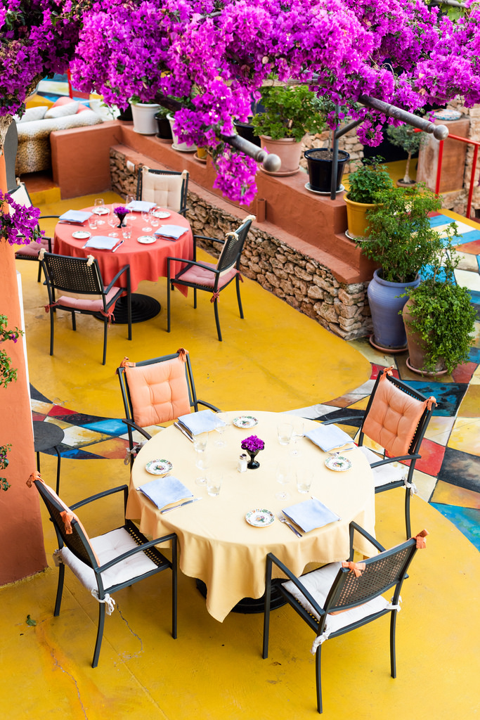 https://www.white-ibiza.com/wp-content/uploads/2020/02/ibiza-restaurants-las-dos-lunas-2018-05.jpg