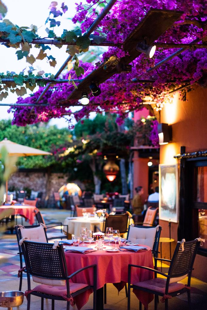 https://www.white-ibiza.com/wp-content/uploads/2020/02/ibiza-restaurants-las-dos-lunas-2018-11.jpg