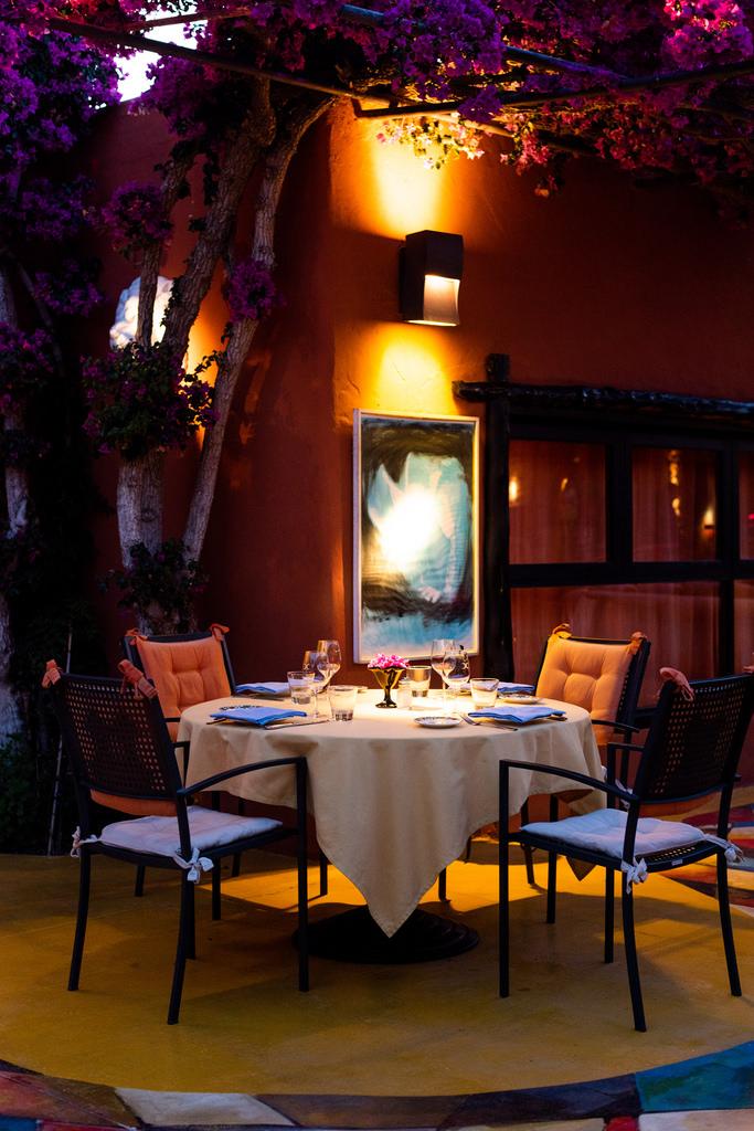 https://www.white-ibiza.com/wp-content/uploads/2020/02/ibiza-restaurants-las-dos-lunas-2018-12.jpg