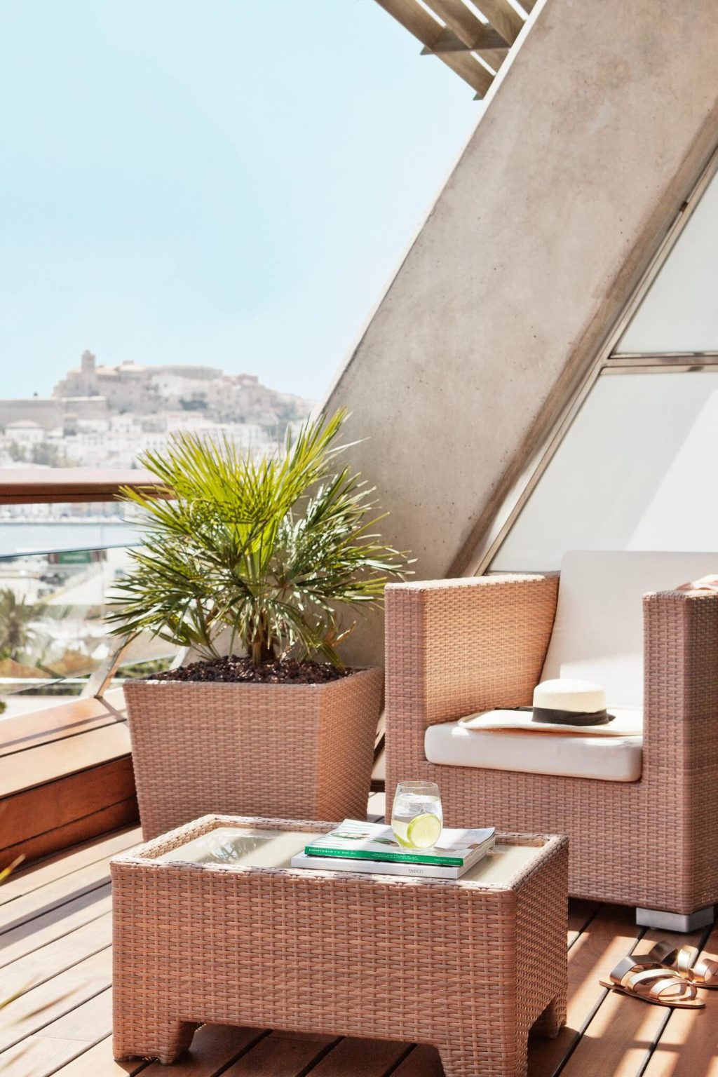 https://www.white-ibiza.com/wp-content/uploads/2020/02/white-ibiza-hotels-ibiza-gran-hotel-2020-02-1024x1536.jpg