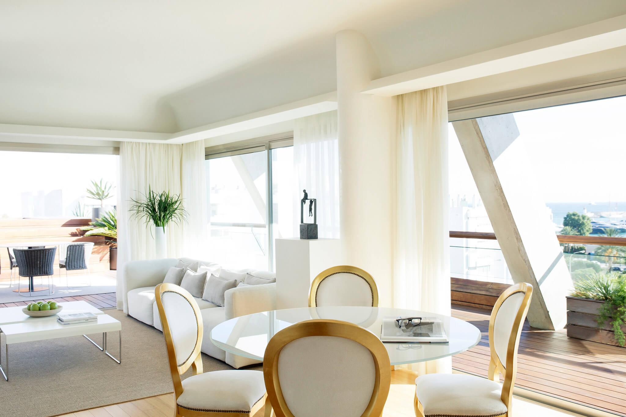 https://www.white-ibiza.com/wp-content/uploads/2020/02/white-ibiza-hotels-ibiza-gran-hotel-2020-03.jpg
