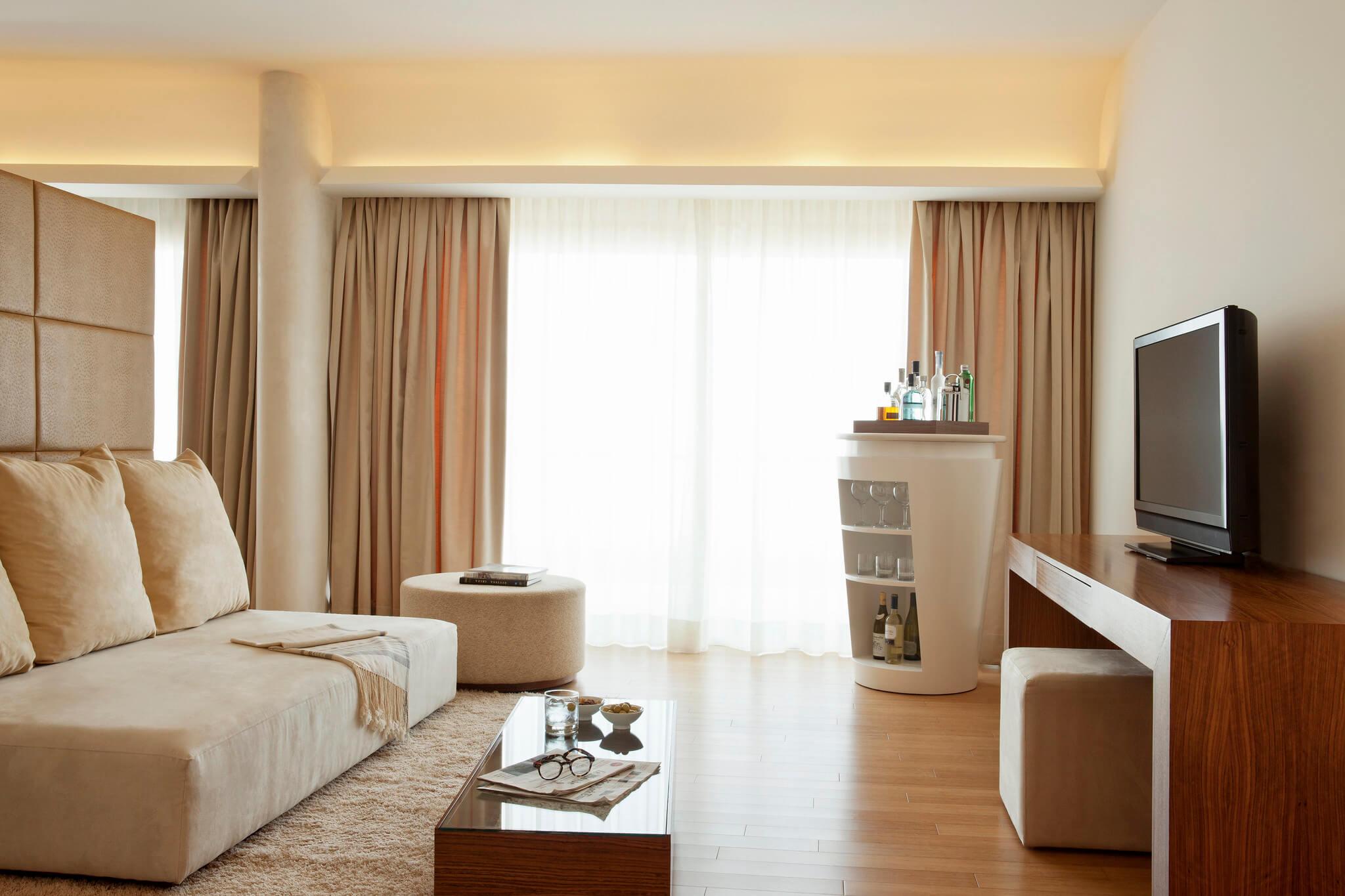 https://www.white-ibiza.com/wp-content/uploads/2020/02/white-ibiza-hotels-ibiza-gran-hotel-2020-08.jpg