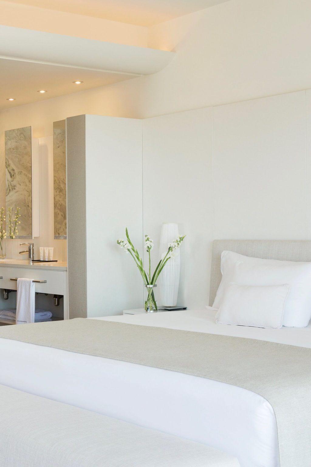 https://www.white-ibiza.com/wp-content/uploads/2020/02/white-ibiza-hotels-ibiza-gran-hotel-2020-09-1024x1536.jpg