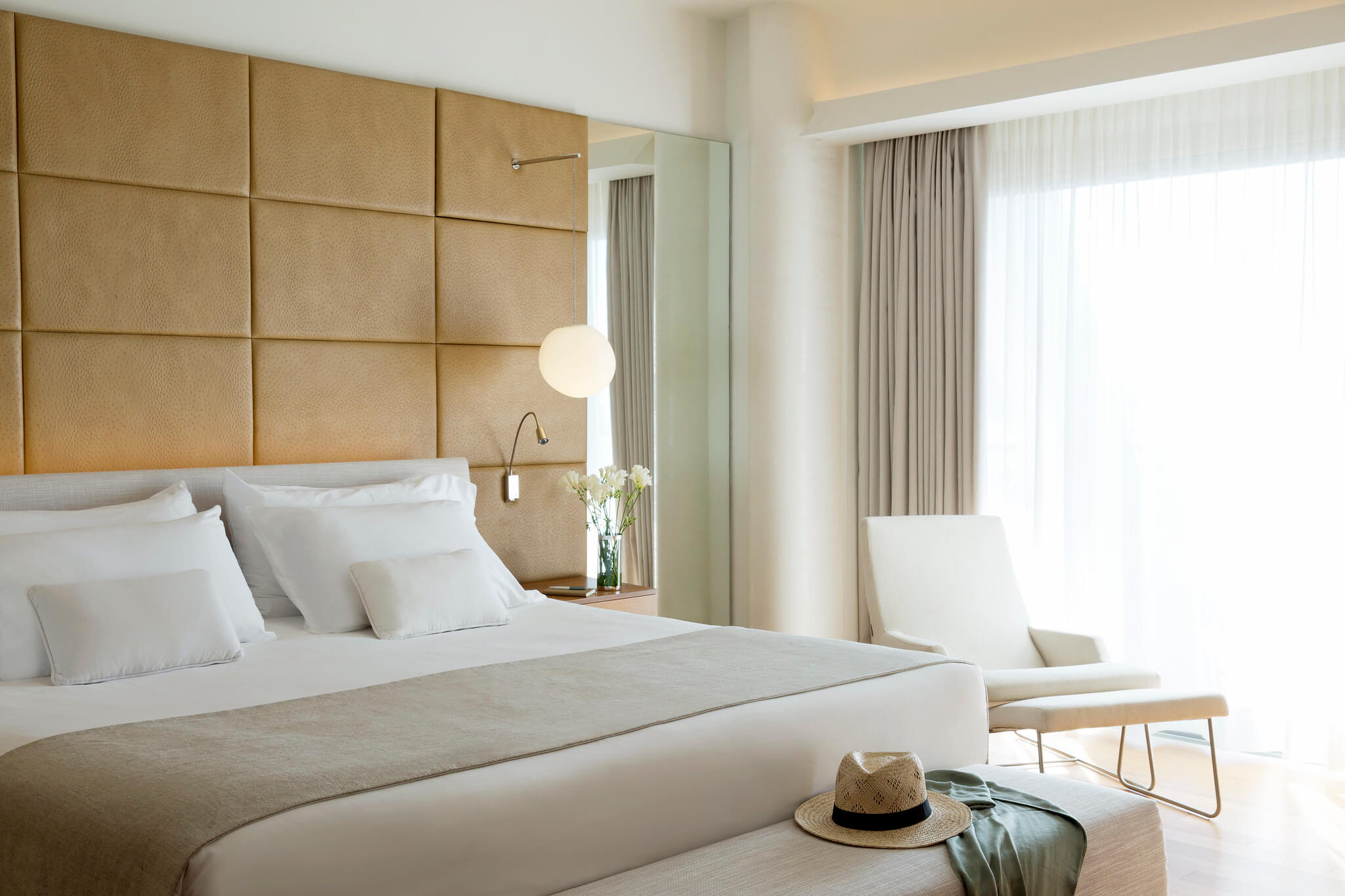 https://www.white-ibiza.com/wp-content/uploads/2020/02/white-ibiza-hotels-ibiza-gran-hotel-2020-11.jpg