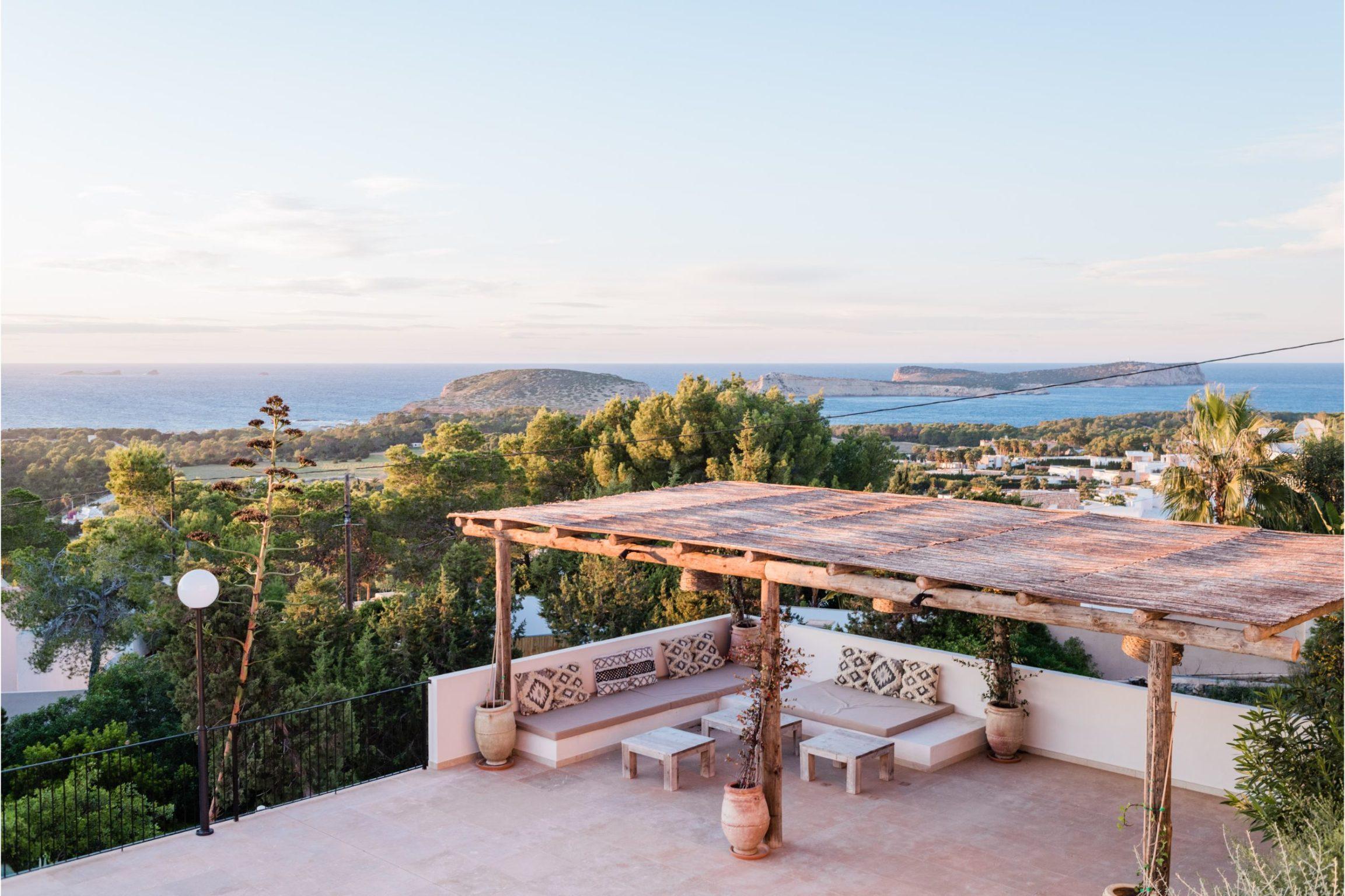 https://www.white-ibiza.com/wp-content/uploads/2020/02/white-ibiza-villas-sa-serra-outdoors-2-2305x1536.jpg