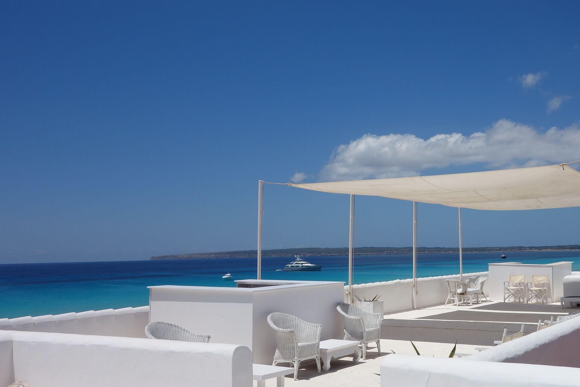 https://www.white-ibiza.com/wp-content/uploads/2020/03/formentera-beach-restaurants-10-punto7-2020-02.jpg