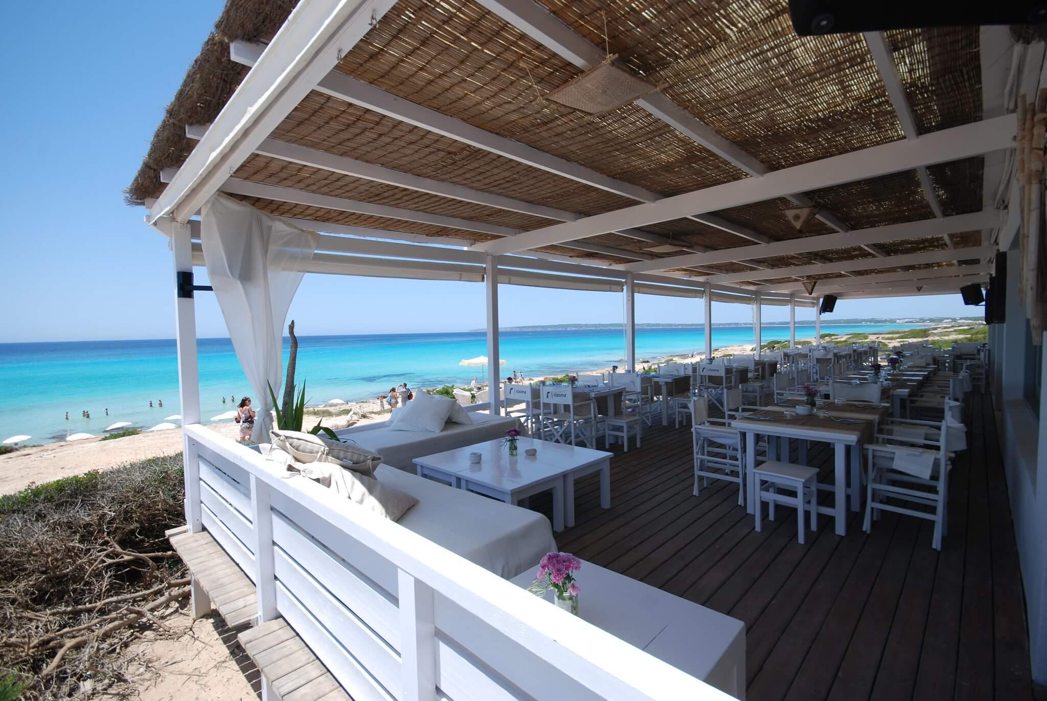 https://www.white-ibiza.com/wp-content/uploads/2020/03/formentera-beach-restaurants-10-punto7-2020-05.jpg