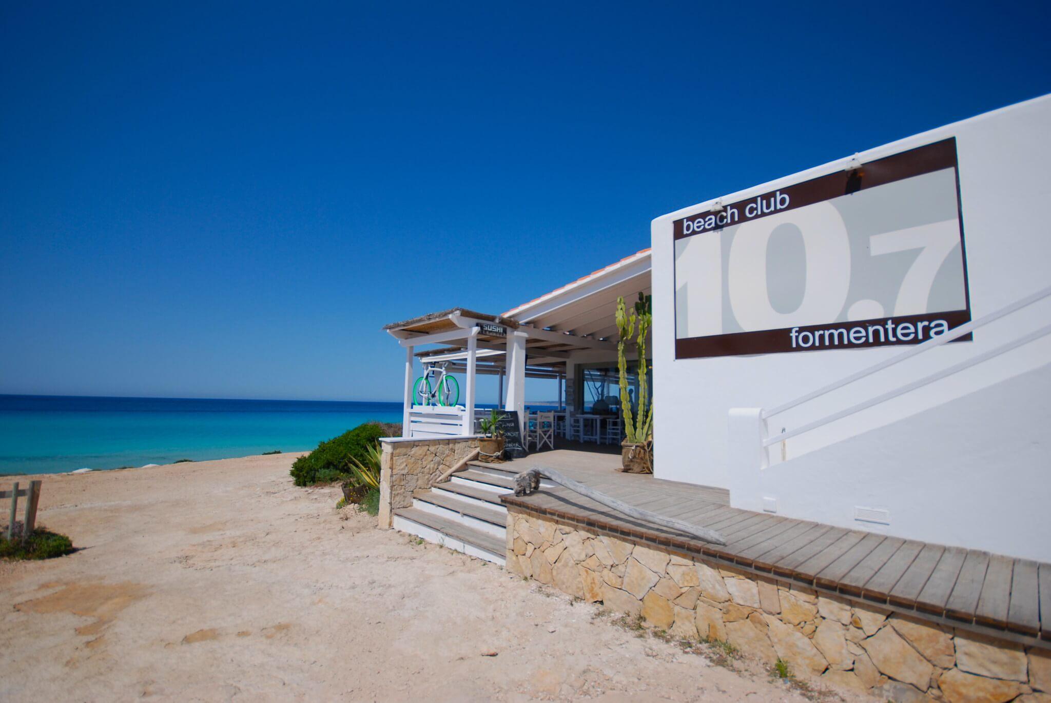 https://www.white-ibiza.com/wp-content/uploads/2020/03/formentera-beach-restaurants-10-punto7-2020-06.jpg