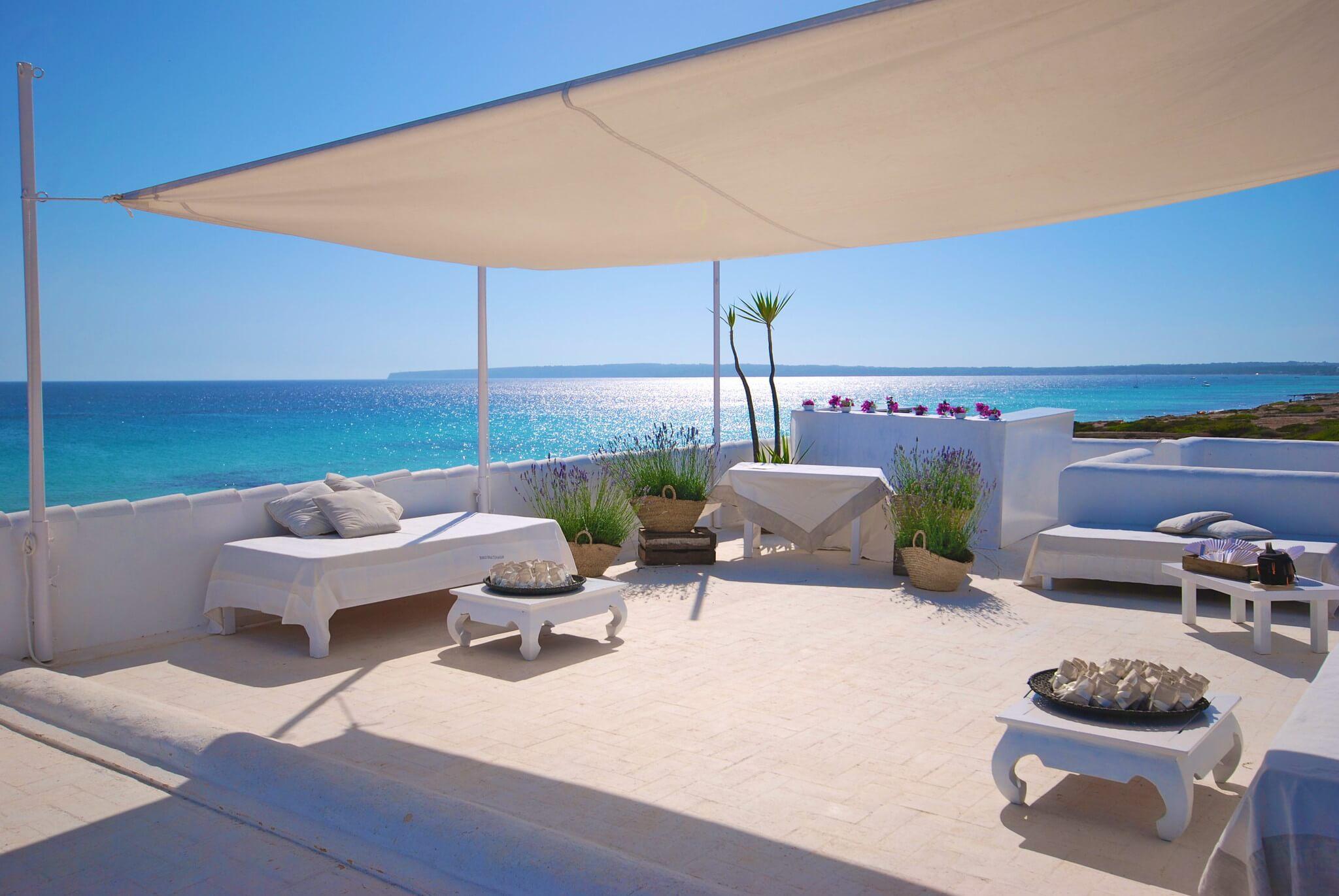 https://www.white-ibiza.com/wp-content/uploads/2020/03/formentera-beach-restaurants-10-punto7-2020-07.jpg