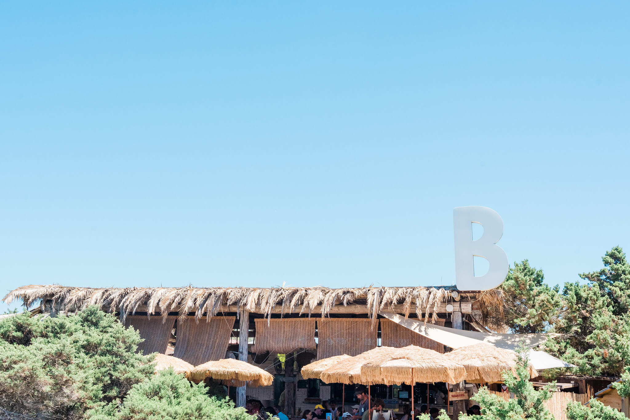 https://www.white-ibiza.com/wp-content/uploads/2020/03/formentera-beach-restaurants-beso-beach-2020-07.jpg