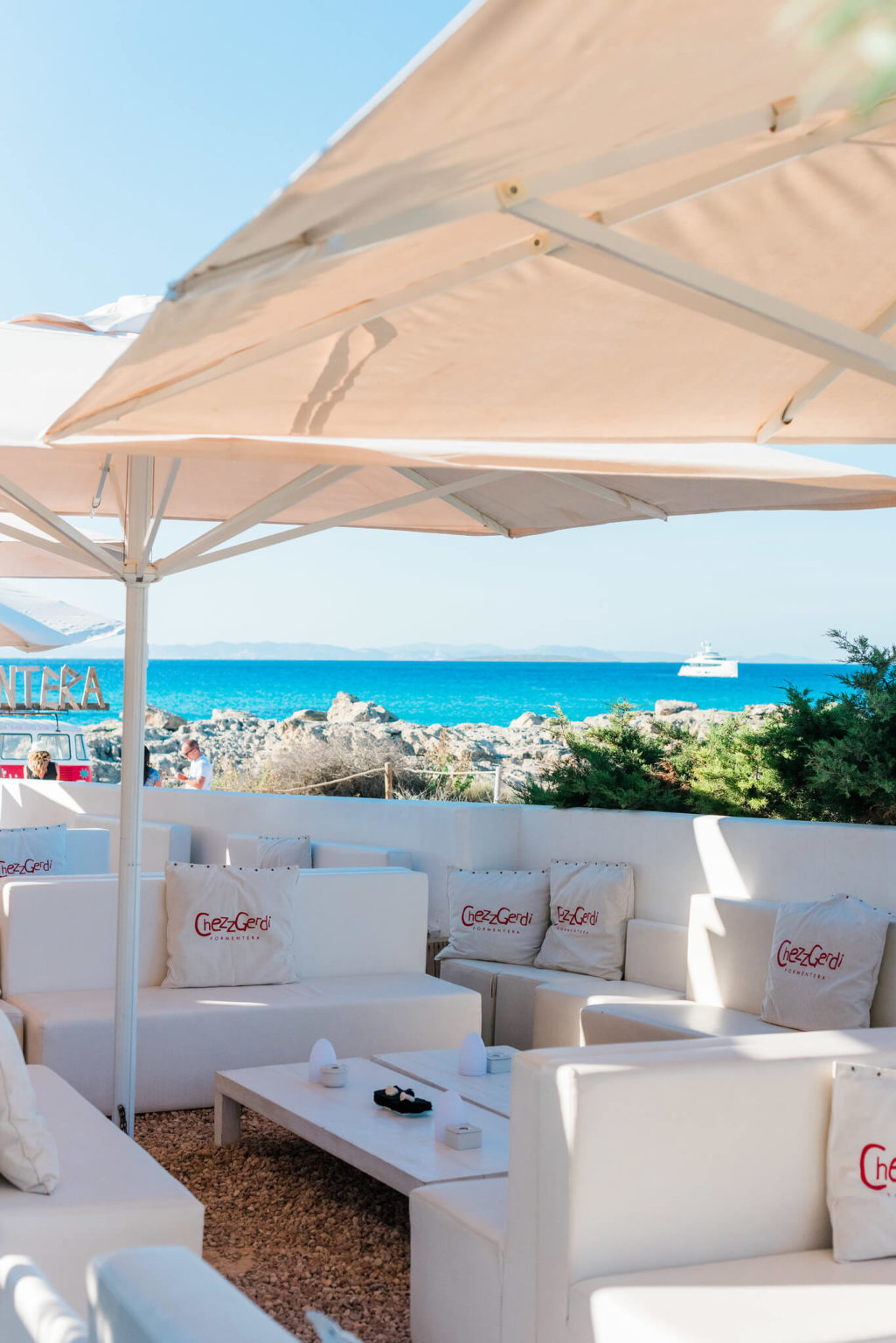 https://www.white-ibiza.com/wp-content/uploads/2020/03/formentera-beach-restaurants-chezz-gerdi-2020-05-1025x1536.jpg