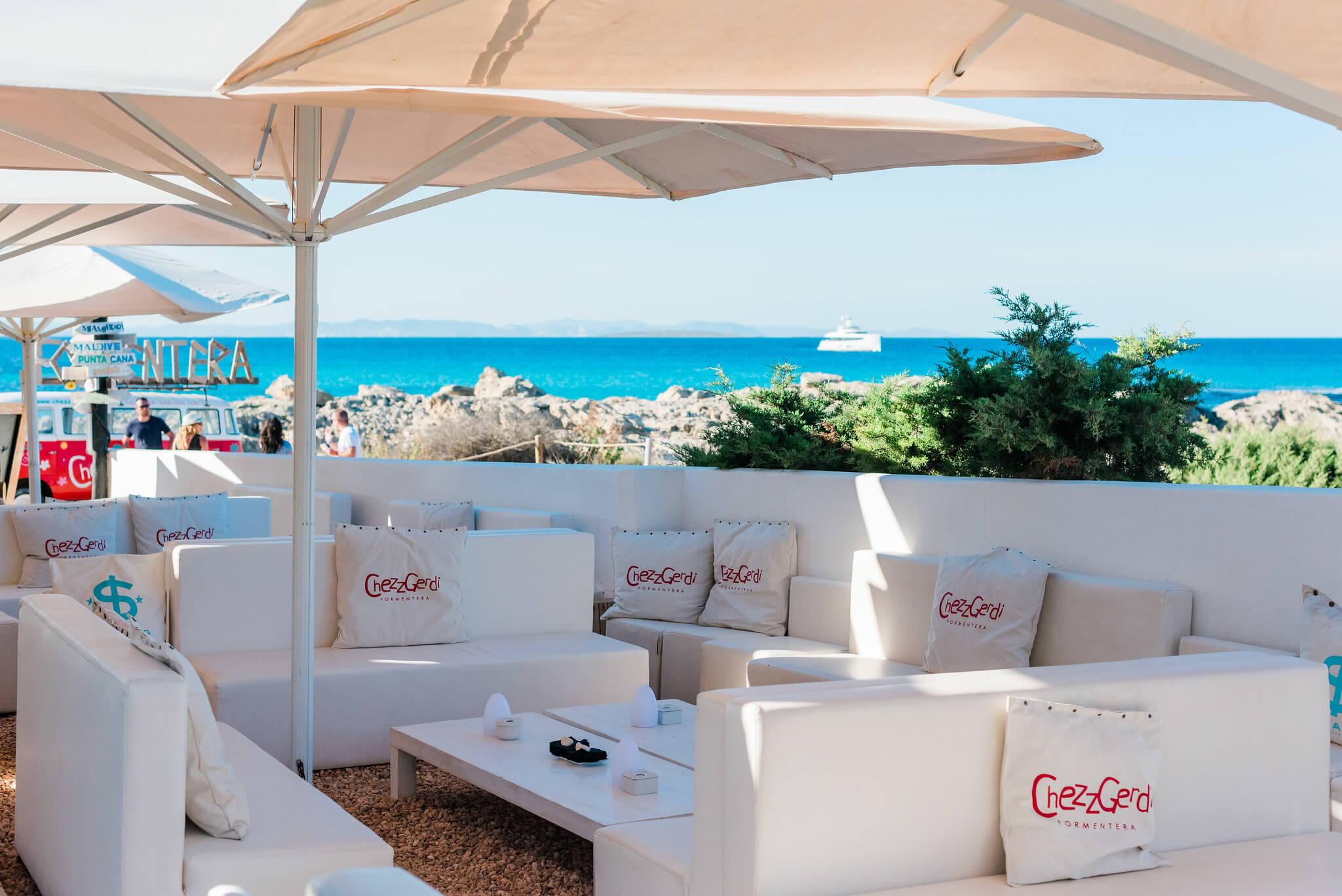 https://www.white-ibiza.com/wp-content/uploads/2020/03/formentera-beach-restaurants-chezz-gerdi-2020-07.jpg