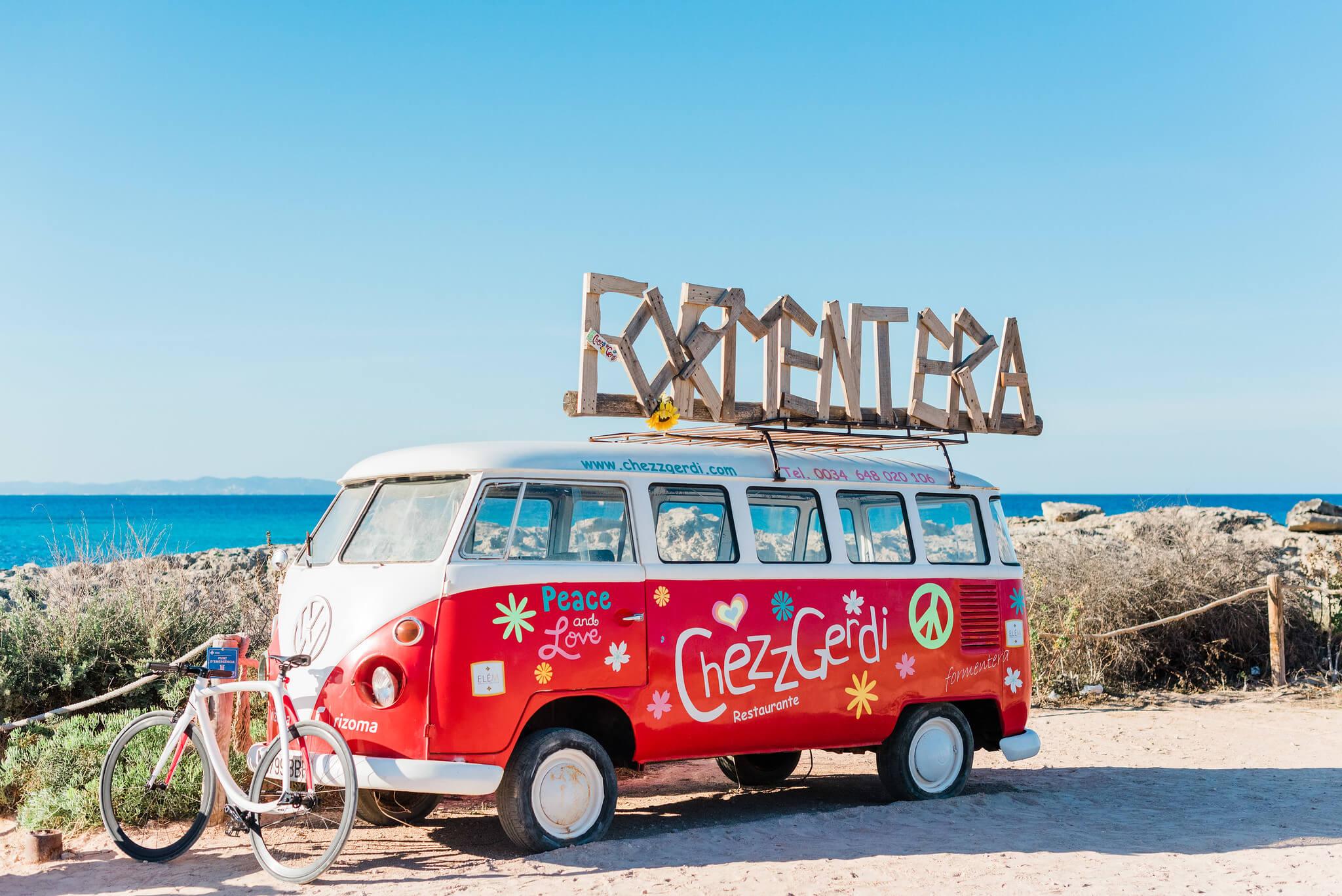 https://www.white-ibiza.com/wp-content/uploads/2020/03/formentera-beach-restaurants-chezz-gerdi-2020-10.jpg