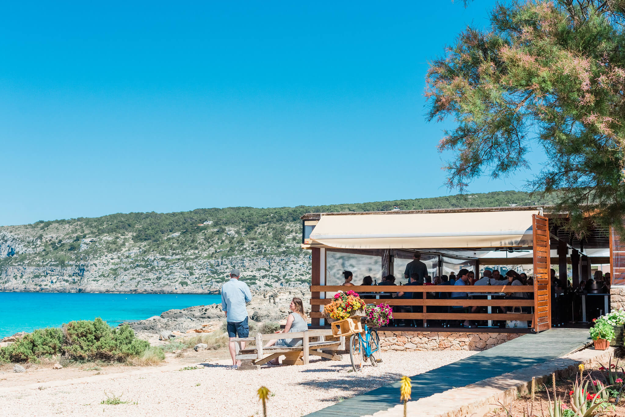 https://www.white-ibiza.com/wp-content/uploads/2020/03/formentera-beach-restaurants-es-calo-2020-04.jpg
