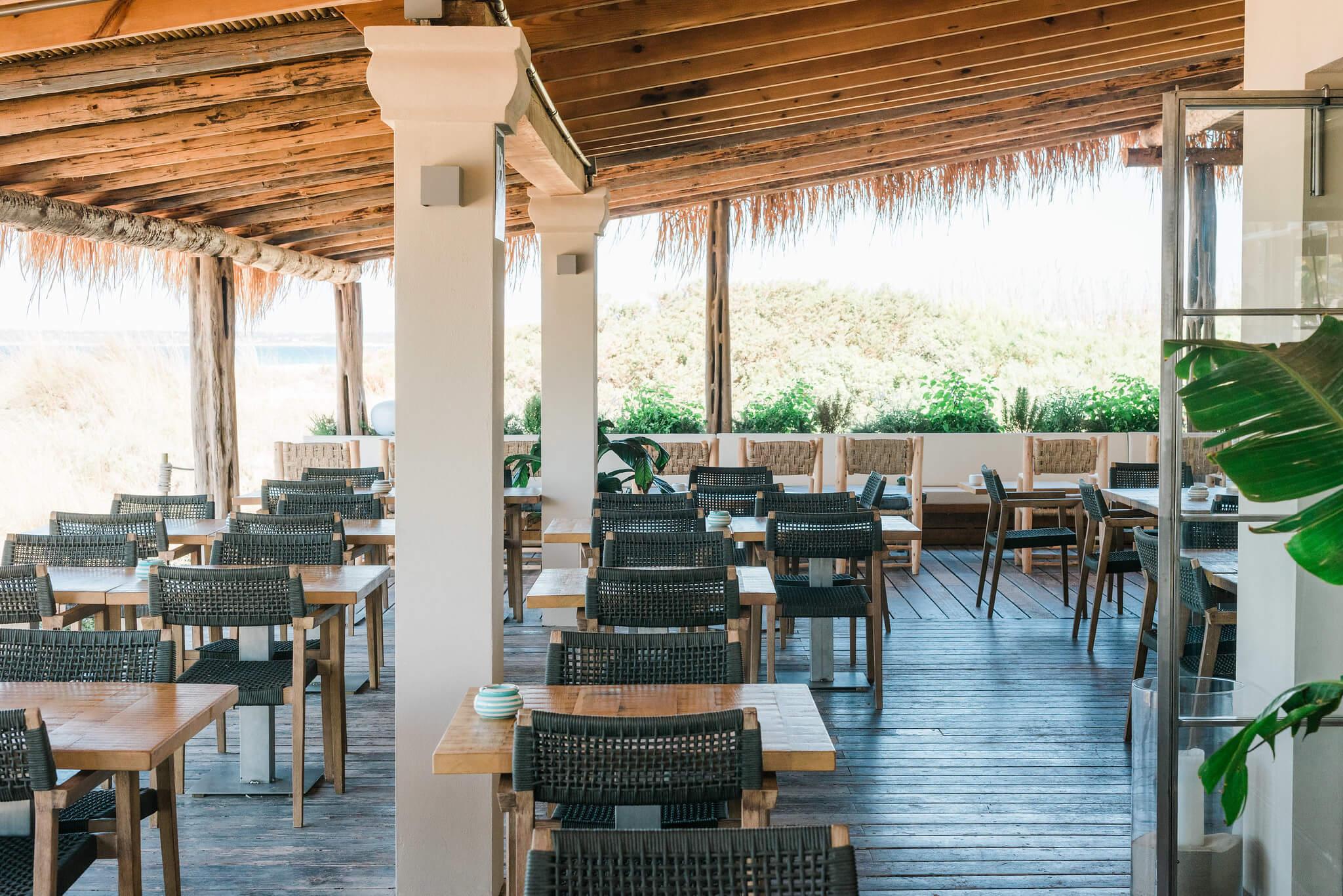 https://www.white-ibiza.com/wp-content/uploads/2020/03/formentera-beach-restaurants-flipper-2020-04.jpg