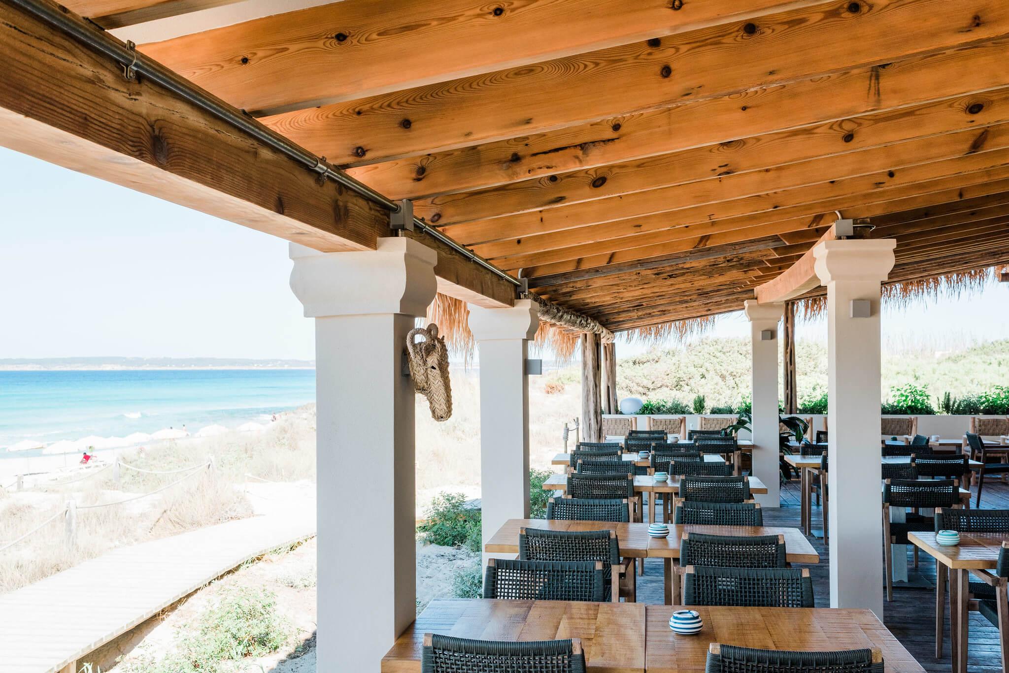 https://www.white-ibiza.com/wp-content/uploads/2020/03/formentera-beach-restaurants-flipper-2020-06.jpg