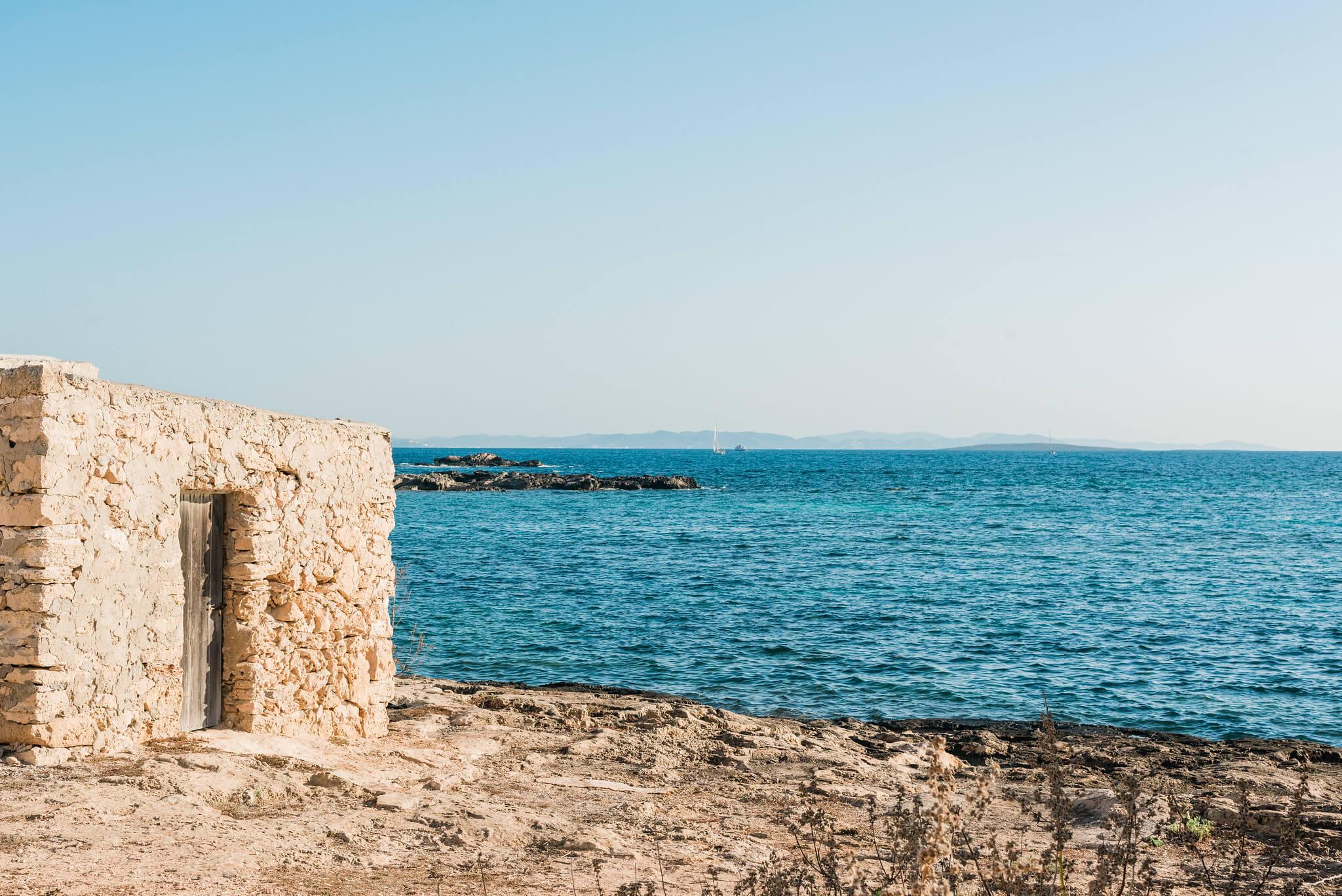 https://www.white-ibiza.com/wp-content/uploads/2020/03/formentera-beaches-es-pujols-2020-02.jpg